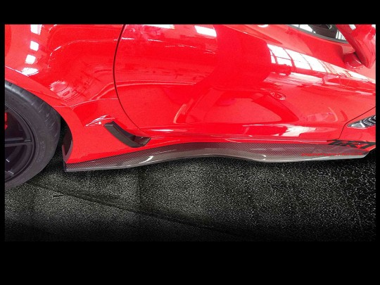 TIKT carbon fiber side skirts for C7 Z06 / ZR1